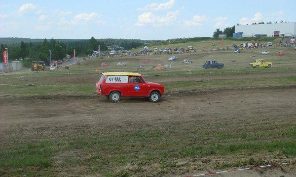 4 Pausaer Trabantrennen 2008 041