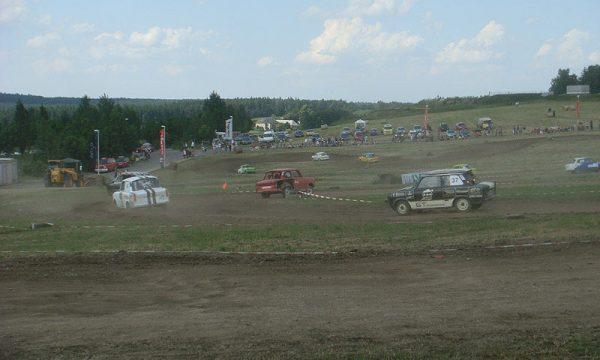 4 Pausaer Trabantrennen 2008 048